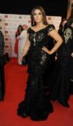 زهرة عرفات بفستان يكشف عن ملابسها الداخلية في مهرجان الخليج
